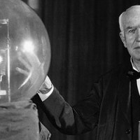 What Happened on December 31st - Thomas Edison's Incandescent Lightbulb