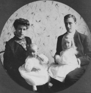 Eleanor and Franklin with their two eldest children