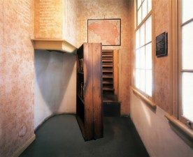 amsterdam-anne-frank-house-interior-view-diagram-368637623