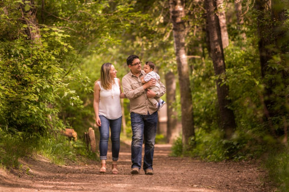 Gill family photography session in Edmonton river valley