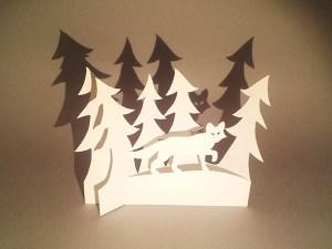 Décorations de Noël, motif renard et sapins, papier blanc, vue de face