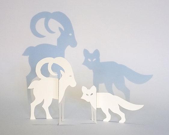 Modèle de saynète 2 sujets avec bouquetin, renard et sapin. Ombres projetées