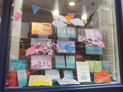 Vitrine librairie les guetteurs de vent, Paris 11e