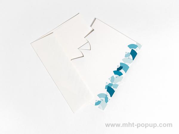 Carte kirigami Eventails avec frise dessinée bleue, dos