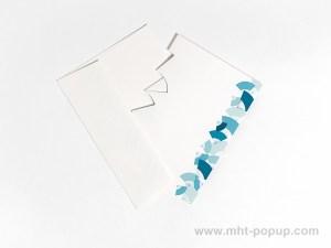 Carte Kirigami avec frise Eventails, couleur bleue, carte et enveloppe