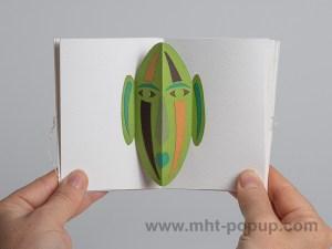Livre d'artiste accordéon Masques pop-up, inspiration africain, vert