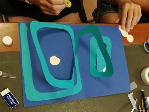 Spirale simple en forme de rectangle. Décoration en cours.