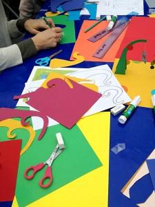 Atelier pop-up autour des mobiles de Calder, Foire des savoir-faire solidaires de Saint-Denis, ambiance générale