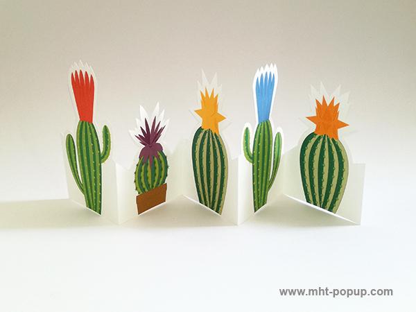 Frise Fleur de cactus avec 5 panneaux découpés et pliés, une frise dépliée.