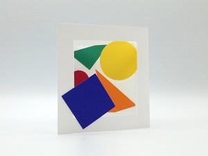 Cartes pop-up en triptyque accordéon, motifs géométriques multicolores, vue de face