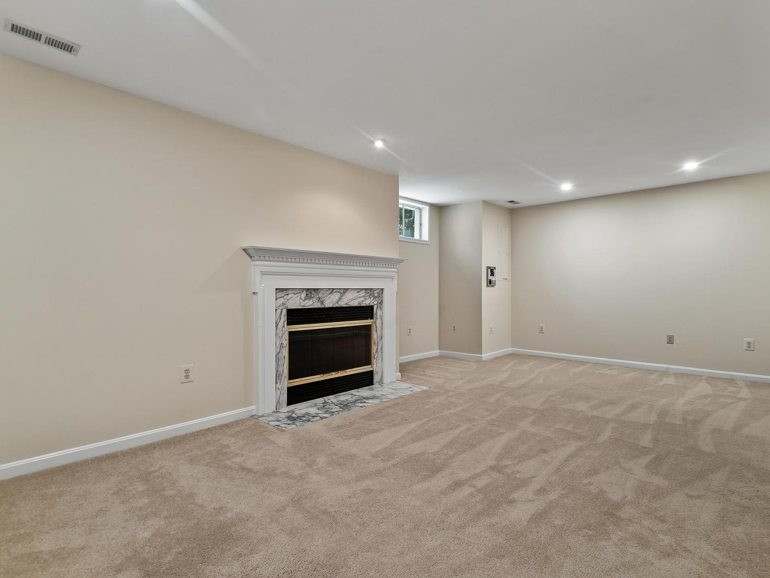 Photo of 7212 Olde Lantern Way, Springfield, VA