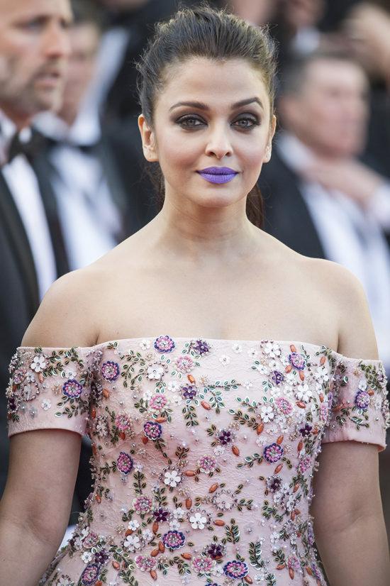 Aishwarya-Rai-Cannes-Film-Festival-2016-Red-Carpet-Fashion-Rami-Kadi-Couture-Tom-Lorenzo-Site-3