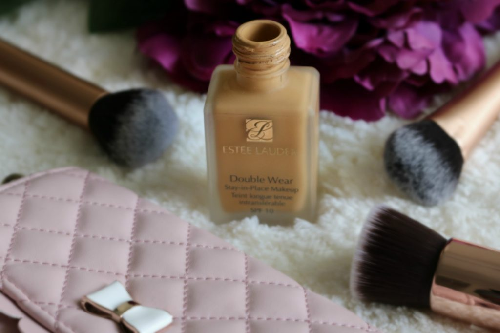 Estee Lauder Double Wear Stay-in-Place Makeup swatches and review