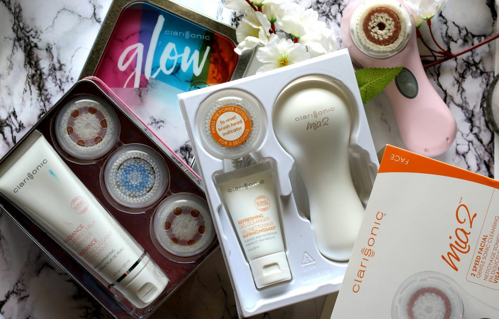 clarisonic in the glow set, clarisonic glow facial brush set, clarisonic gift sets, clarisonic brush head set, clarisonic cleansing brush head, glow brush head set, cleansing tool replacement, clarisonic brush heads, clarisonic radiance brush head, clarisonic revitalizing brush head, clarisonic radiance foaming milk cleanser