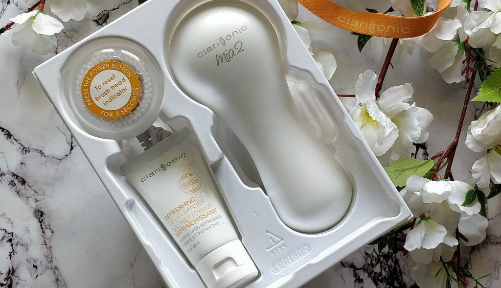 clarisonic mia 2 skin cleansing system, clarisonic mia 2 facial cleansing brush, clarisonic mia 2 gift set,clarisonic mia 2 white set,clarisonic mia 2,clarisonic mia 2 review,buy clarisonic mia 2 online,clarisonic mia 2 uses,clarisonic mia 2 how to use, mia 2,clarisonic confidence boost holiday gift set it cosmetics,skin cleansing devices, skin cleansing tool,