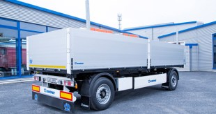 Robust and functional: Krone's new building materials trailer