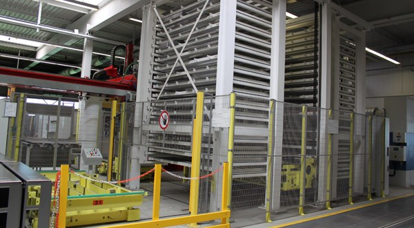 Mounting box production directly from the sheet metal storage system