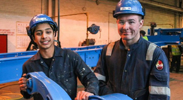 Cartwright kicks off new apprentice recruitment drive for 2016