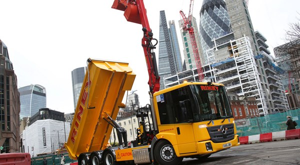 City of London grabs a safety lead with new Mercedes-Benz Econic