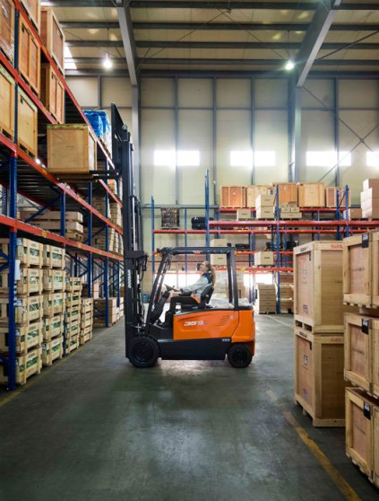 Doosan launch new electric 80-volt counter balance series forklift trucks 1