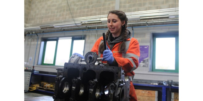 Construction Plant Apprentice Katie Long receives Best Apprentice of the Year Award!