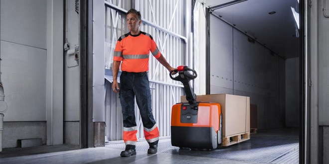 Toyota Material Handling provides the power to support hauliers at the Commercial Vehicle Show 2017