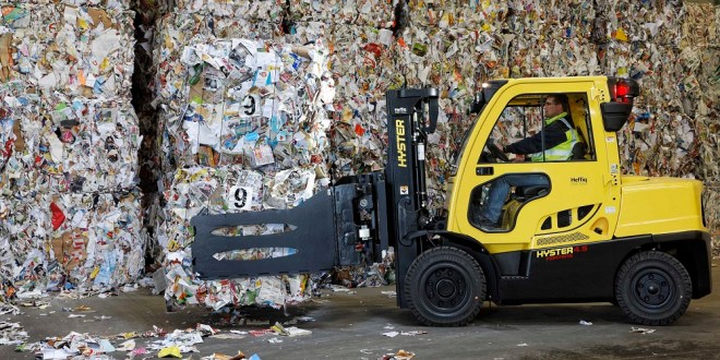 HYSTER LOWERS HANDLING COSTS FOR PAPER RECYCLERS