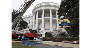 Vacuworx vacuum lifting technology lands on White House steps