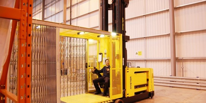How to handle bulky loads at height Q&A with Juergen Emmenegger VNA and Warehouse Systems Specialist for Hyster