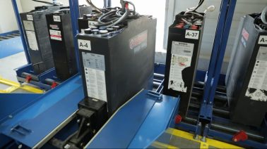 EnerSys Choosing the right battery for your fork lift truck 1
