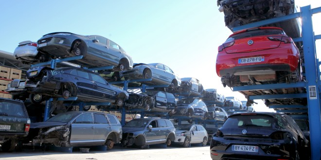 Desguace Alarcón Flexible shelf system for the storage of end-of-life vehicles