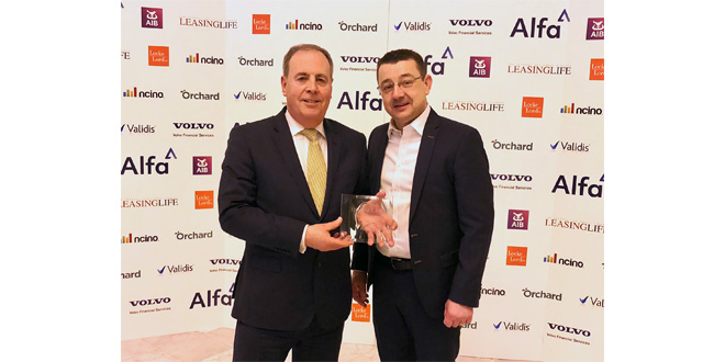 JCB Finance commitment to customers recognised with award win