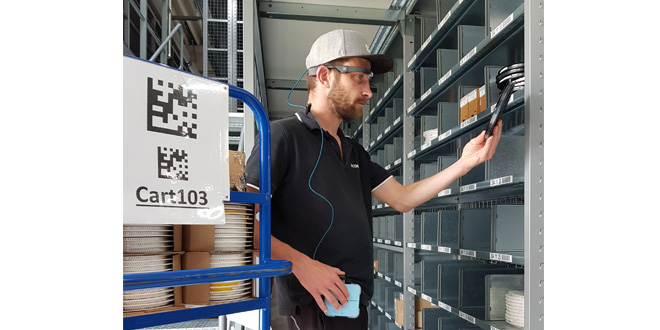 ECOMAL increases the use of Picavi smart glasses at its central warehouse