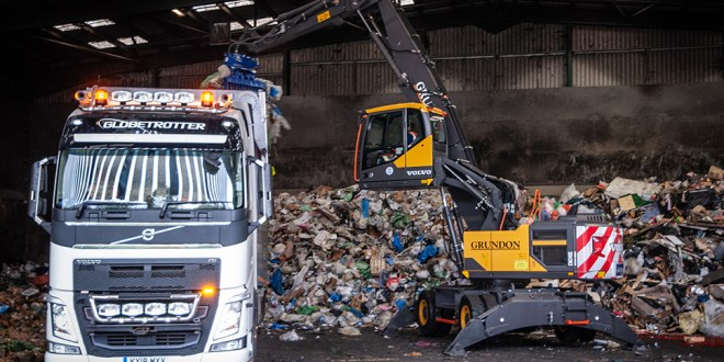 Grundon opt for Volvo's new Material Handler