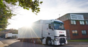 Renault Trucks RANGE T HIGH GETS THE SHOW ON THE ROAD FOR STAGEFREIGHT