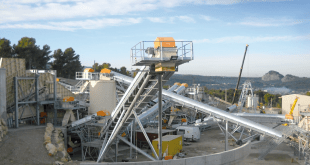 Drive solutions for continuous conveyors
