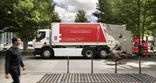 RENAULT TRUCKS DELIVERS A D WIDE ZE TO LYON METROPOLE