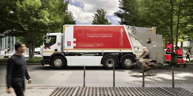 Renault Trucks delivers A D Wide Z.E. to Lyon Metropole