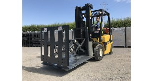 The Benefits of Pallet less Handling with Slip Sheet and Push Pull Attachment