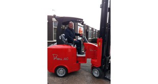 10000th space saving Narrow Aisle Flexi truck leaves the factory