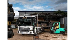 ASA Scaffolding raises safety standards with new Mercedes-Benz Econic from Marshall Truck & Van