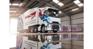FIRST RENAULT TRUCKS T HIGH FOR JHP TRANSPORT