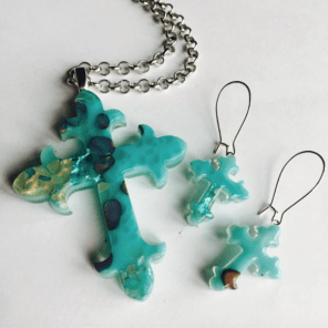 miss-olivias-line-fused-glass-cross-pendant-and-earrings-mia-anstine