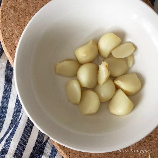 Baked garlic cloves