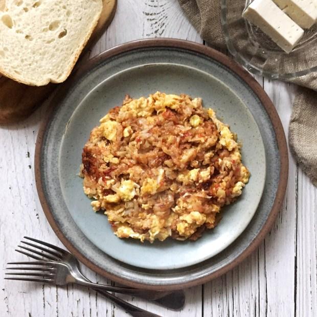 Eggs with potatoes and tomato (Αβγά με πατάτες και ντομάτα)