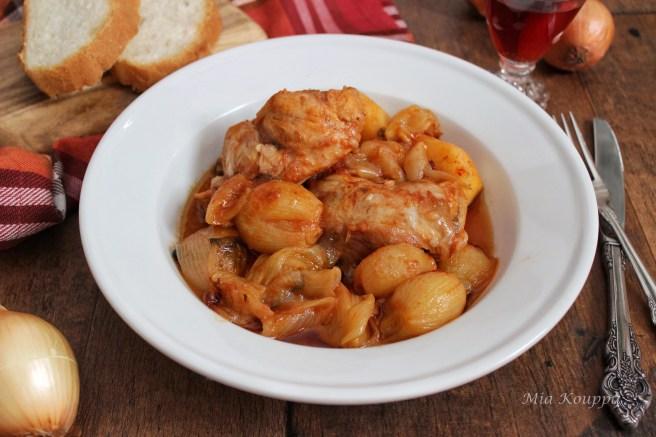 Rabbit stew (Κουνέλι στιφάδο)