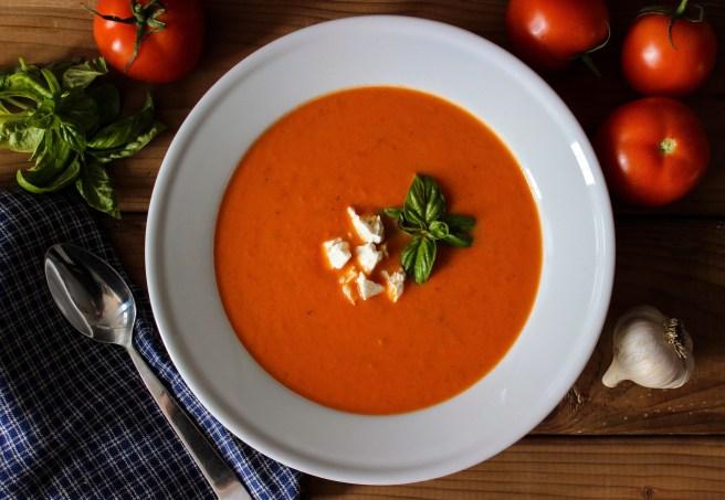 Cream of tomato soup (Ντοµατόσουπα βελουτέ)