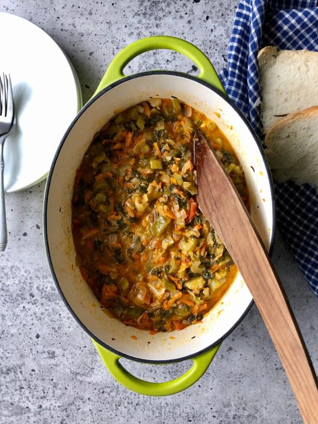 Stewed Swiss chard with vegetables and feta (Σέσκουλα γιαχνί με λαχανικά και φέτα)
