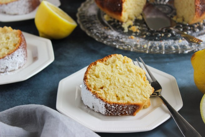 Greek yogourt cake with lemon