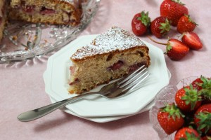 Strawberry ricotta cake with olive oil